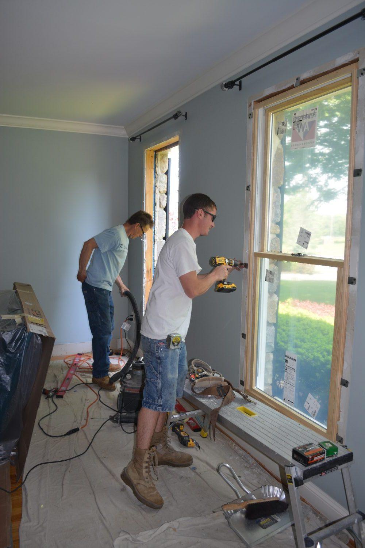 Gary & Jeremy installing windows